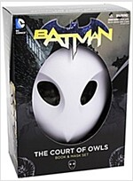 Batman: The Court of Owls Mask and Book Set (the New 52) (Paperback, 52)
