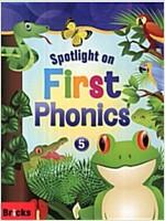 Spotlight on First Phonics 5 : Student Book + Storybook + Multi CD