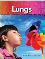 Lungs: The Human Body (Paperback)