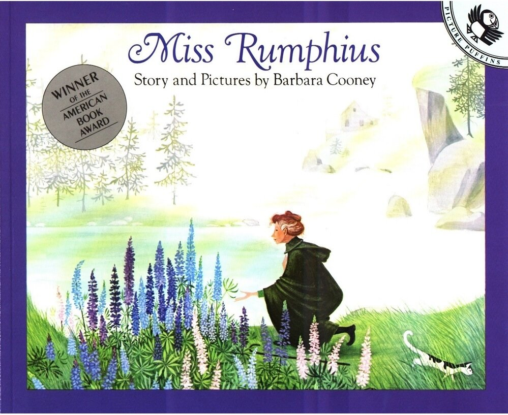 Miss Rumphius: Story and Pictures (Paperback)