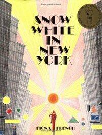 Snow White in New York (Paperback)