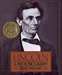 Lincoln: A Photobiography (Hardcover)