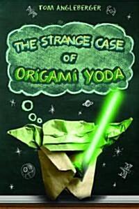 The Strange Case of Origami Yoda. Tom Angleberger (Paperback)
