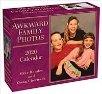 Awkward Family Photos 2020 Day-To-Day Calendar (Daily)
