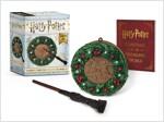 Harry Potter: Hogwarts Christmas Wreath and Wand Set: Lights Up! (Mini Paperback + Miniature)