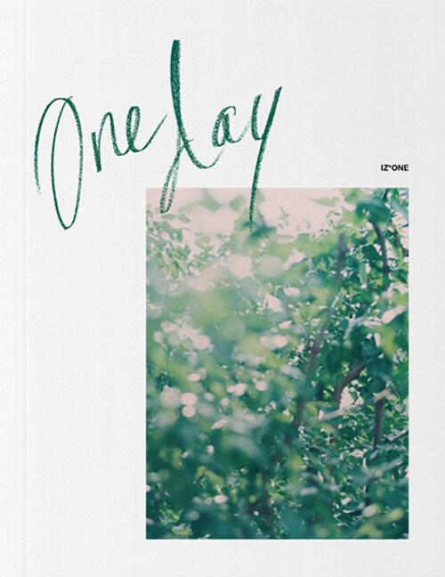Oneday : 아이즈원 IZ*ONE 포토북 (1차 예약판매)