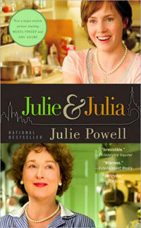 Julie and Julia : My Year of Cooking Dangerously (Paperback)
