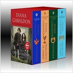 Outlander Boxed Set: Outlander, Dragonfly in Amber, Voyager, Drums of Autumn (Boxed Set)