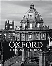 Oxford Through the Lens (Hardcover)