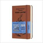 Moleskine Limited Edition Alice in Wonderland, 12 Month Daily Planner, Pocket, Coral Orange (3.5 X 5.5) (Desk)
